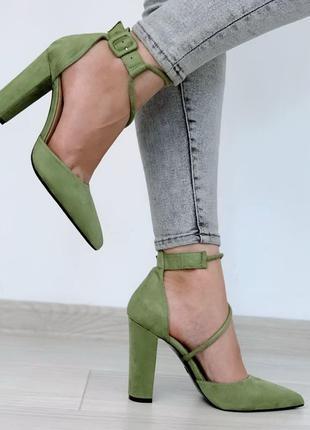 Зеленые туфли лодочки