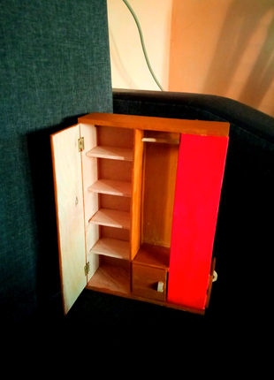 Мебель для Барби. Шкаф для Барби. Мебель для кукольного домика