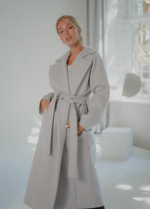 Пальто кашемировое на подкладке.