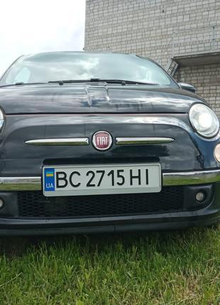 Автомобіль  Fiat 500