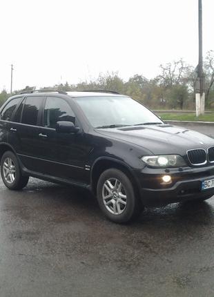Автомобіль BMW X5
