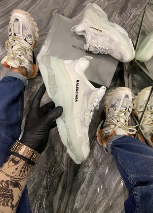 Кроссовки BALENCIAGA Triple S Clear Sole White Grey.