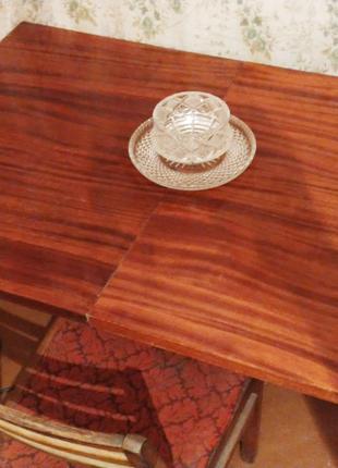 Стол обеденный,раздвижной,деревянный