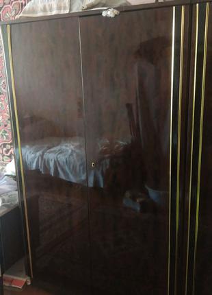 Мебель спальная Зина Zina  Германия бу, стенка  4 метра,ковры