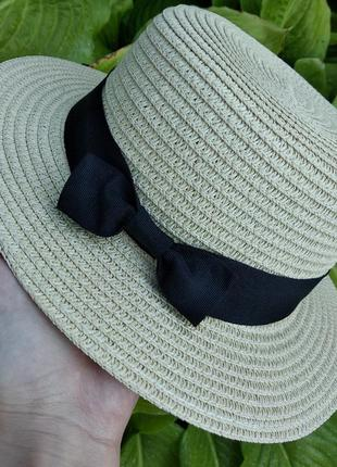 Красивая женская соломенная шляпа канотье