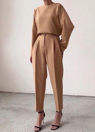 Костюм (в последнем размере) мода 2020