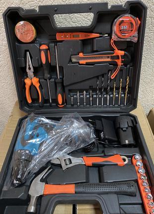 Аккумуляторный шуруповерт MAKITA DF330DWE и набор инструментов