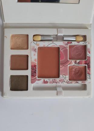 Набор для макияжа (тени, румяна, блески) mary kay