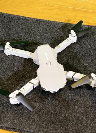 Квадрокоптер E525 с камерой WiFi