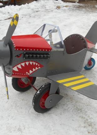 Аттракцион Самолет самолет на педалях педальный самолет веломо...