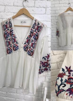 Шикарна блуза з вишивкою zara