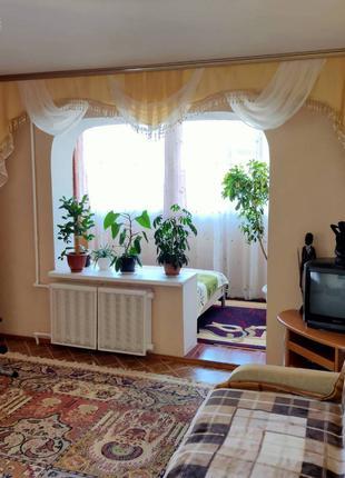 Продам 3-х комнатную квартиру на Заболотного