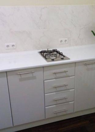 Продам двухкомнатную квартиру в районе Парка Победы