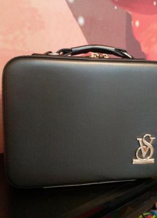 Сумка , чемодан для украшений косметики