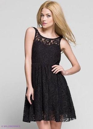 Платье в сетку кружевное в цветочный принт вышивку с пышной юбкой