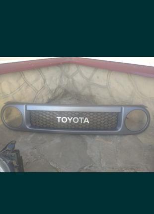 Решетка радиатора Toyota FJ Cruiser (ФЖ крузер)