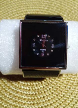 Часы браслет женские металл. черные