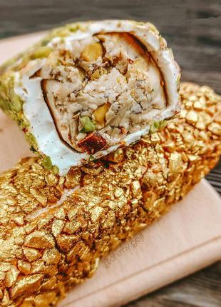 Турецкий рахат-лукум с ореховой пастой (халвой) внутри