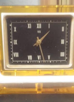 Часы настольные «Молния»