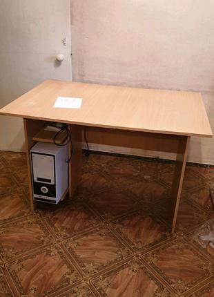 Компьтерный/письменный стол