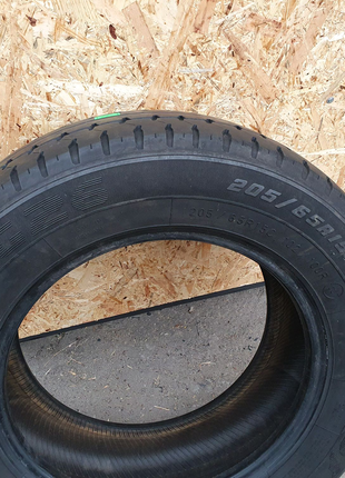 Шына Goodyear 205/65 R15 C из Германии 100%