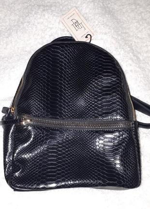 Рюкзак под кожу рептилии черного цвета