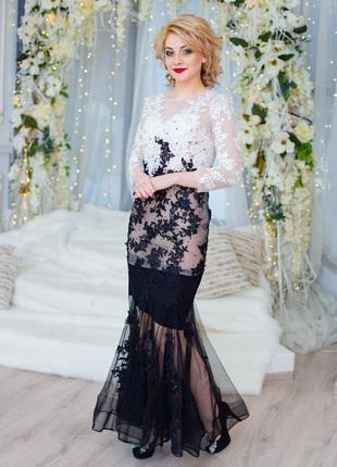 Платье черно белый узор