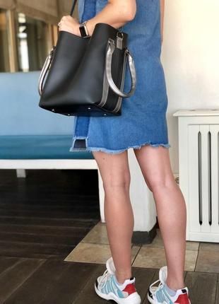 Молодежная женская черная сумка, вместительная, серебро, удобн...