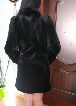 Модная натуральная шуба из меха мутона