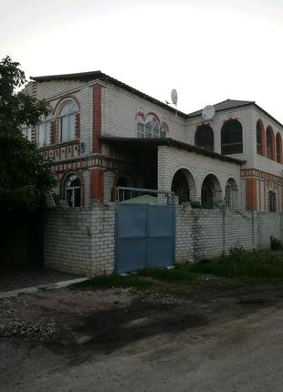 Продам дом 300 м2