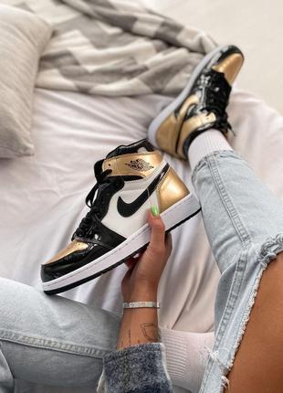 Кроссовки Nike Air JORDAN 1 Retro High Patent Gold toe