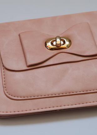 Очень красивая сумочка кросс-боди