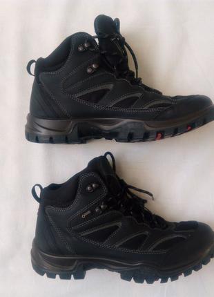 Взуття черевики Ессо