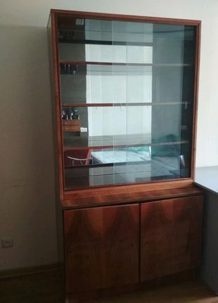 Стенка и шкафчтк с распашными дверми