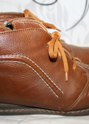 Ботинки кожаные украина 39р.