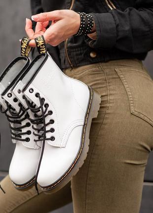 Ботинки dr. martens white