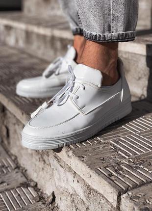 Мужские белые туфли