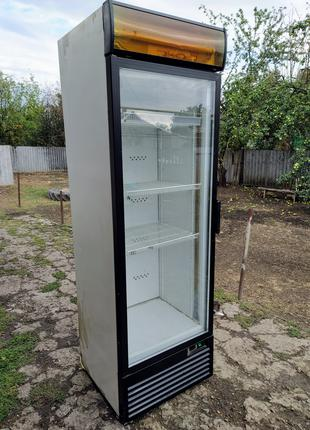 Холодильник шкаф витрина.