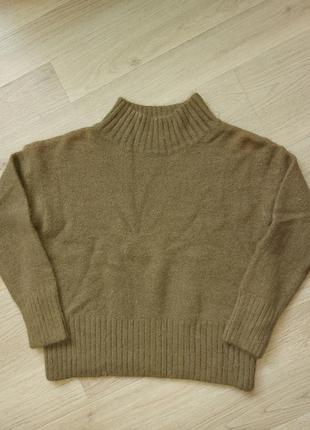 Тёплый  свитер шерстяной  over size в цвете хаки