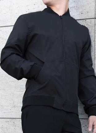 Бомбер весенний мужской черный