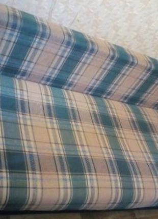 Уютный диван 200 х 150 x 45.