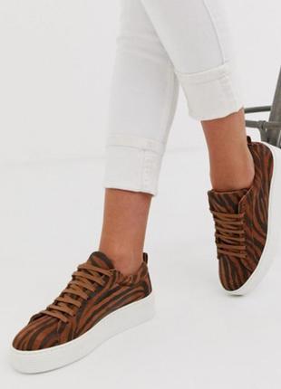 Слипоны кроссовки на белой платформе тигриный принт vero moda ...