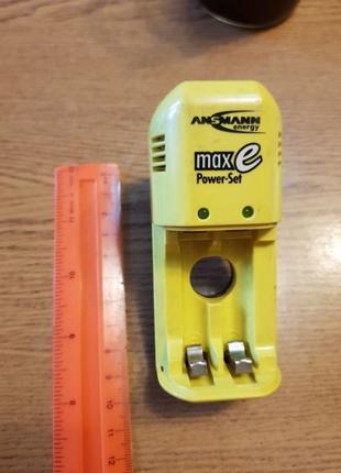 Зарядный блок для аккумуляторов АА и ААА