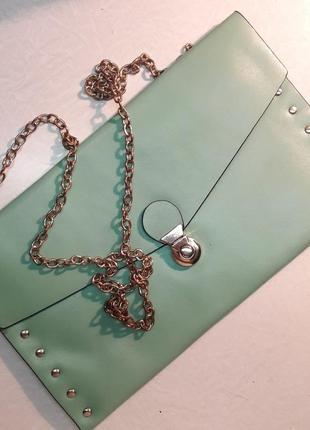 Клатч-конверт на цепочке
