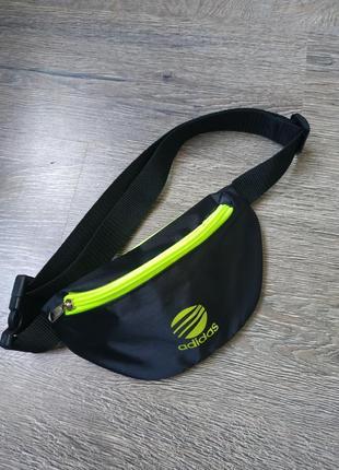 Молодежная сумка банка черная с салатовым