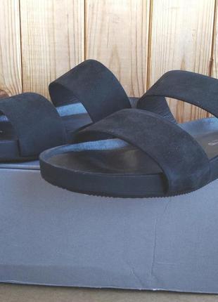 Шикарные полностью кожаные шлепанцы босоножки vagabond