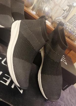 Стильные кроссовки носки снокеры naturalizer