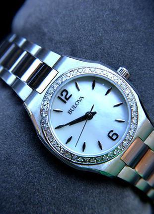 Женские часы с бриллиантами 46шт bulova подарок девушке