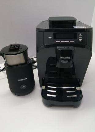 Автоматическая кофемашина + вспениватель молока Severin KV 8081