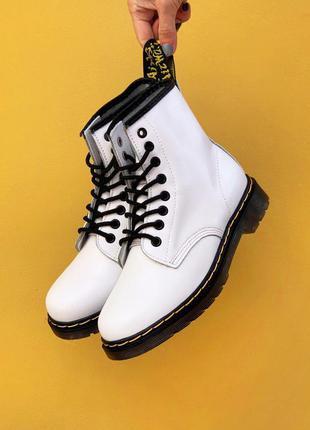Ботинки dr. martens 1460 white
